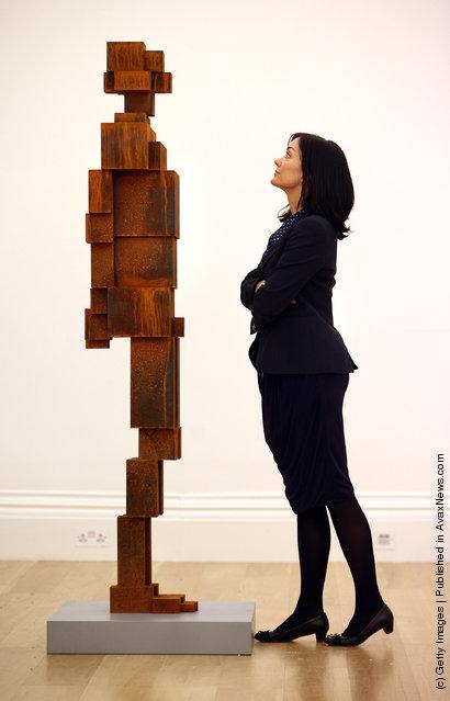 Antony Gormley's sculpture Stock
