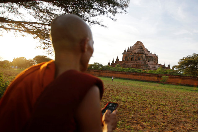 A Buddhist monk looks at a damaged pagoda after an earthquake in Bagan, Myanmar August 25, 2016. (Photo by Soe Zeya Tun/Reuters)