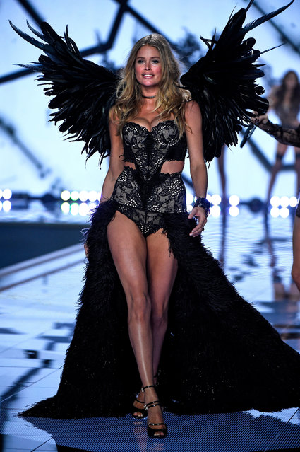 Model Doutzen Kroes walks the runway at the annual Victoria's Secret fashion show at Earls Court on December 2, 2014 in London, England. (Photo by Pascal Le Segretain/Getty Images)