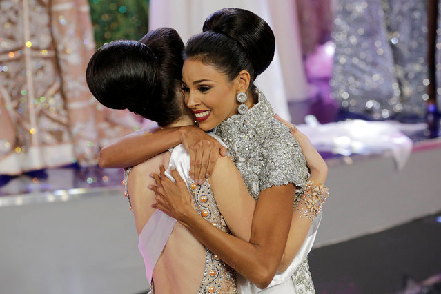 Miss Monagas Keysi Sayago (R) reacts after winning the Miss Venezuela 2016 pageant in Caracas, Venezuela October 5, 2016. (Photo by Marco Bello/Reuters)