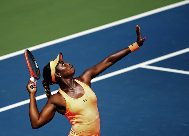Sloane Stephens of the U.S. serves to Agnieszka Radwanska of Poland during their women's tennis match at day four of the Rogers Cup tennis tournament in Toronto, August 8, 2013. (Photo by Mark Blinch/Reuters)