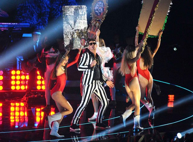 Robin Thicke performs at the MTV Video Music Awards on Sunday, August 25, 2013, at the Barclays Center in the Brooklyn borough of New York. (Photo by Charles Sykes/AP Photo/SIPA)