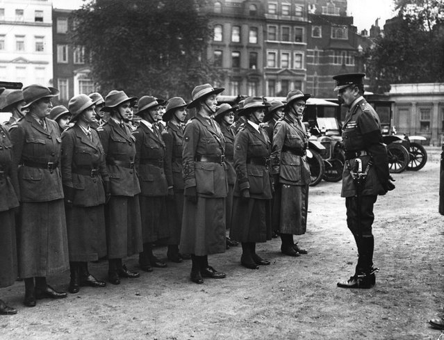 The Women's Reserve of the British Army National Motor Volunteers being addressed by an officer, October 1916. 1st October 1916. (Photo by Hulton Archive)