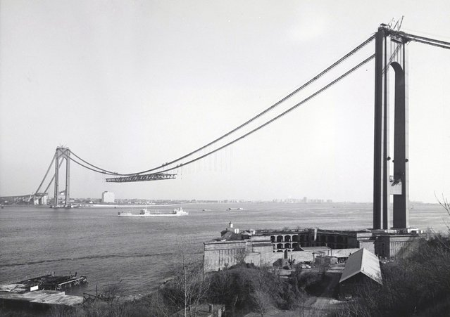 New York's Verrazano-Narrows Bridge, linking Brooklyn to Staten Island, under construction, on December 4, 1963. The bridge, with a span of 4,260 feet, opened to traffic on November 21, 1964. (Photo by AP Photo/Museum of the City of New York)