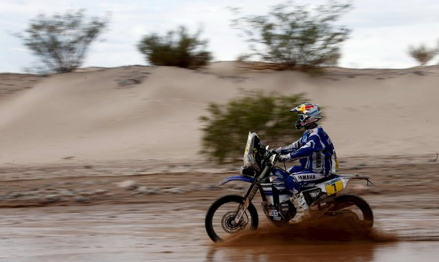 Helder Rodrigues of Portugal rides his Yamaha during the 10th stage of the Dakar Rally 2016 near Fiambala, Argentina, January 13, 2016. (Photo by Marcos Brindicci/Reuters)