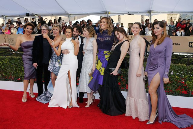 """The cast of """"Transparent"""" arrives at the 22nd Screen Actors Guild Awards in Los Angeles, California January 30, 2016. (Photo by Mike Blake/Reuters)"""
