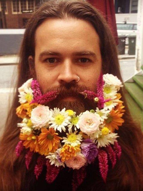 Flower beard. (Photo by flowersbyjuliarose/Tumblr)