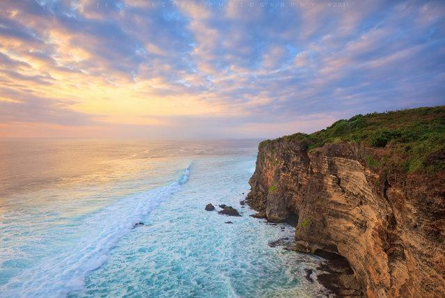 Uluwatu – Bali Indonesia. (Jesse Estes)