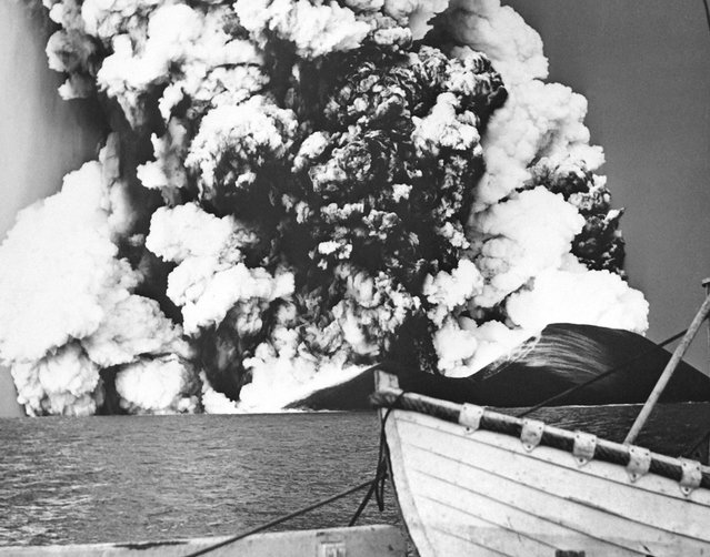 Picture released on December 2, 1963 of the formation of Surtsey, a new volcanic island off the southern coast of Iceland forged from volcanic eruptions. (Photo by AFP Photo)