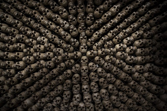 Fake human skulls are placed inside a room at the site for sky burials near the Larung valley located some 3700 to 4000 metres above the sea level in Sertar county, Garze Tibetan Autonomous Prefecture, Sichuan province, China October 31, 2015. (Photo by Damir Sagolj/Reuters)