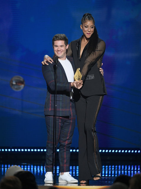 Adam DeVine (L) and Candace Parker speak onstage at the 2018 NBA Awards at Barkar Hangar on June 25, 2018 in Santa Monica, California. (Photo by Kevin Winter/Getty Images for Turner Sports)