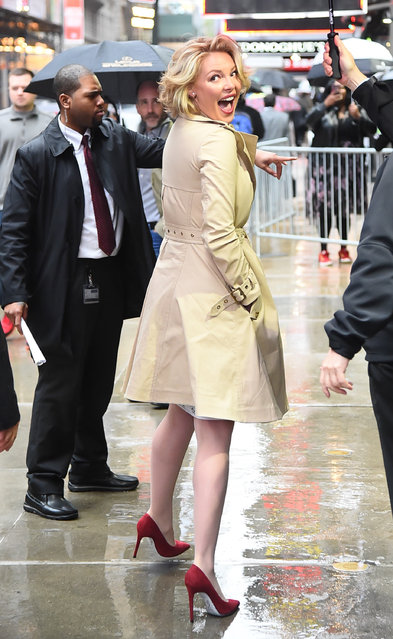 """Actress Katherine Heigl is seen outside """"Good Morning America"""" on April 20, 2017 in New York City. (Photo by Raymond Hall/GC Images)"""