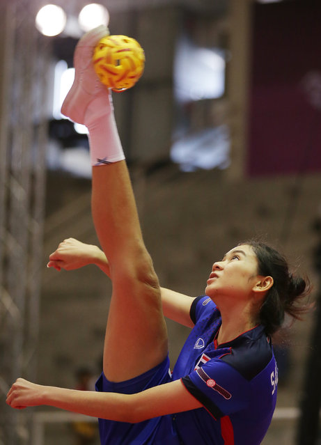 Sepak Takraw, ISTAF Super Series Finals Thailand 2014/2015, Nakhon Pathom Municipal Gymnasium, Huyjorake Maung, Nakonprathom, Thailand on October 21, 2015: Thailand's Nipaporn Salupphon in action during the group stage match. (Photo by Asia Sports Ventures/Action Images via Reuters)
