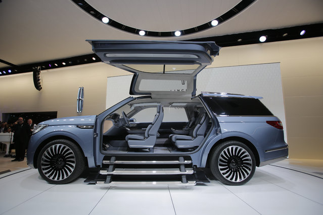 The Lincoln Navigator concept vehicle is seen during the media preview of the 2016 New York International Auto Show in Manhattan, New York on March 23, 2016. (Photo by Eduardo Munoz/Reuters)