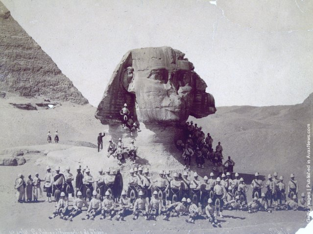 Scottish soldiers at the sphinx of Giza after their victory in the Battle of Tel-el-Kebir during the Anglo-Egyptian conflict for control of the Suez Canal, 1882
