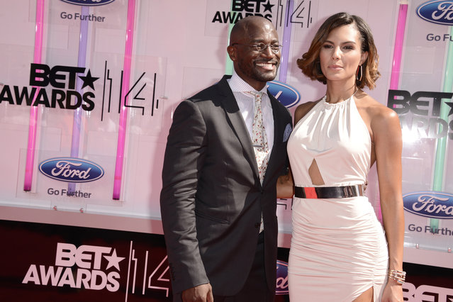 Taye Diggs, left, and Amanza Smith Brown arrive at the BET Awards at the Nokia Theatre on Sunday, June 29, 2014, in Los Angeles. (Photo by Dan Steinberg/Invision/AP Photo)