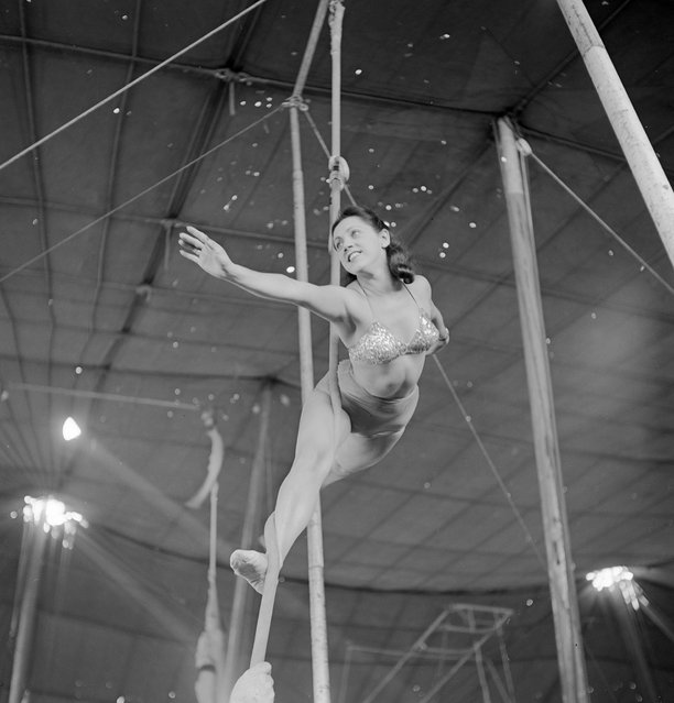 An aerialist rehearsing with a rope for the Ringling Bros. and Barnum & Bailey Circus in Sarasota, FL in 1949. (Photo By Nina Leen/Time Life Pictures/Getty Images)