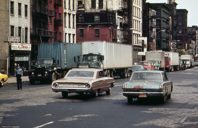 Holland Tunnel traffic, backed up on Canal Street, in May of 1973. (Photo by Wil Blanche/NARA via The Atlantic)