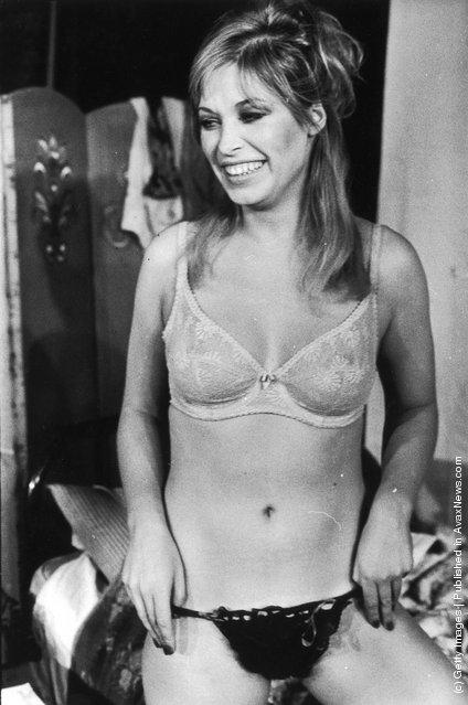 1975: Actress Prunella Gee in her underwear