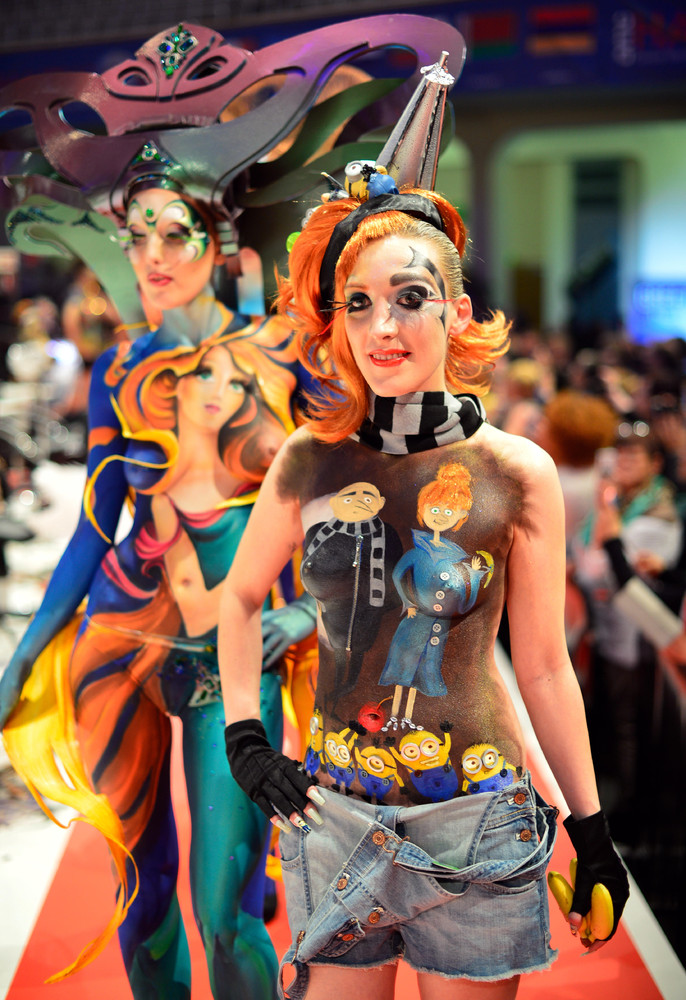 """""""Body Painting"""" Contest of the OMC Hairworld World Cup 2014 in Frankfurt am Main"""