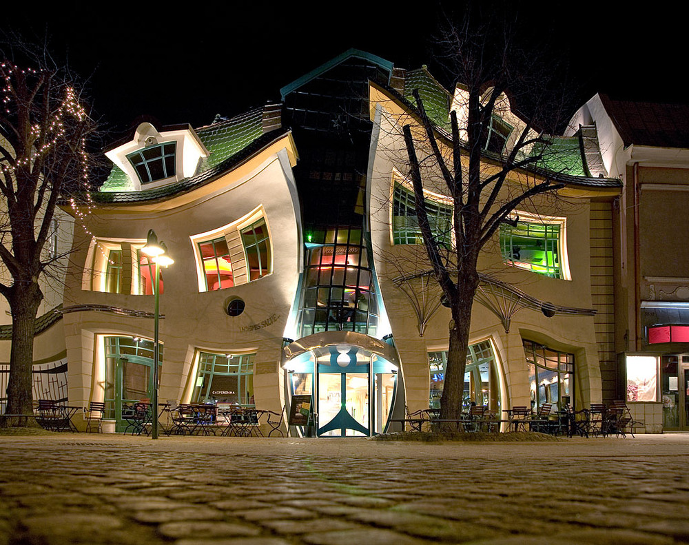 Crooked House, Sopot Polond (Krzywy Domek)