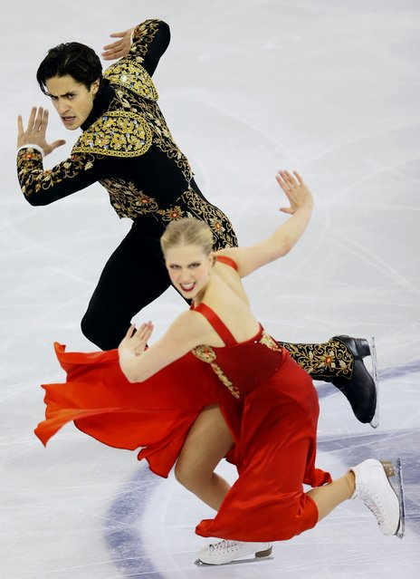 Canada's Kaitlyn Weaver and Andrew Poje perform during the Ice Dance short program at the ISU Grand Prix of Figure Skating final in Barcelona December 12, 2014. (Photo by Albert Gea/Reuters)