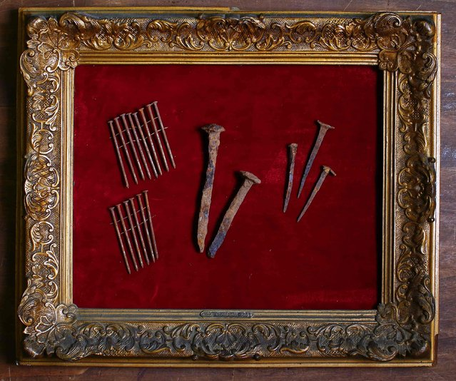 A composition of nails is displayed in an old frame in the Museum of Domenico Agostinelli in Dragona, near Rome October 30, 2014. (Photo by Tony Gentile/Reuters)