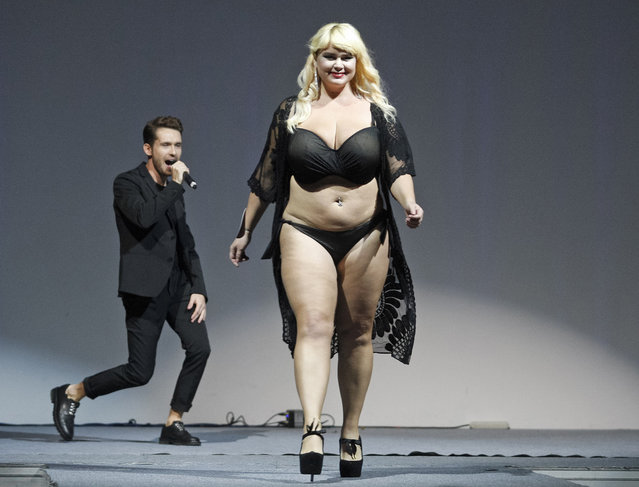 """A contestant competes during the """"Miss Ukraine Plus Size"""" beauty pageant in Kiev, Ukraine on October 29, 2018. (Photo by Pavlo Gonchar/SOPA Images via ZUMA Wire)"""
