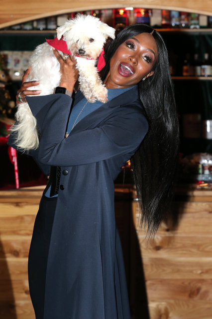 Naomi Campbell with dog during the Gut Aiderbichl Christmas Market opening on November 13, 2018 in Henndorf am Wallersee, Austria. (Photo by Gisela Schober/Getty Images)