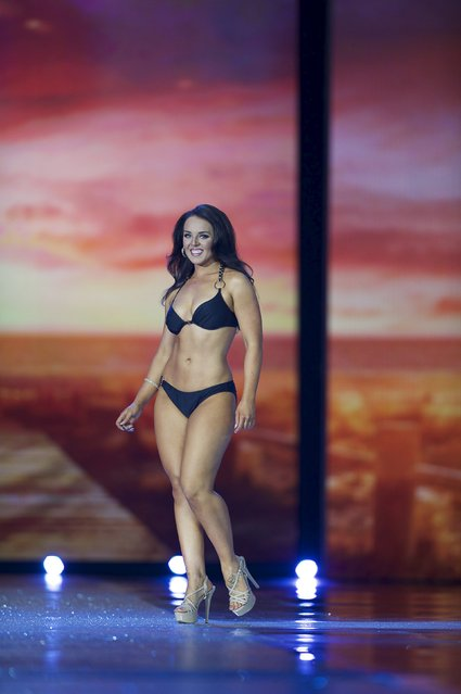 Miss South Dakota Autumn Simunek competes in the swimsuit competition during the first night of preliminaries of Miss America at Boardwalk Hall in Atlantic City, New Jersey, September 8, 2015. (Photo by Mark Makela/Reuters)
