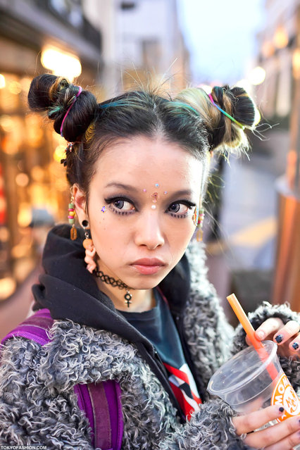 Hirari in Harajuku. Ran into one of my favorite street snap models in Harajuku, Hirari. (Photo by Tokyo Fashion)