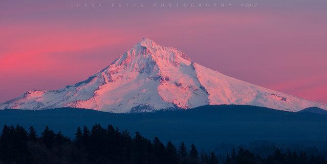 Mount Hood – Sunset. (Jesse Estes)