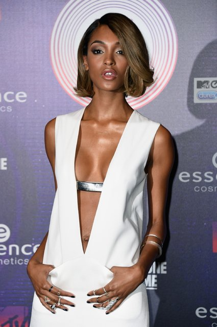 Model Jourdan Dunn attends the MTV EMA's 2014 at The Hydro on November 9, 2014 in Glasgow, Scotland.  (Photo by Ian Gavan/Getty Images for MTV)