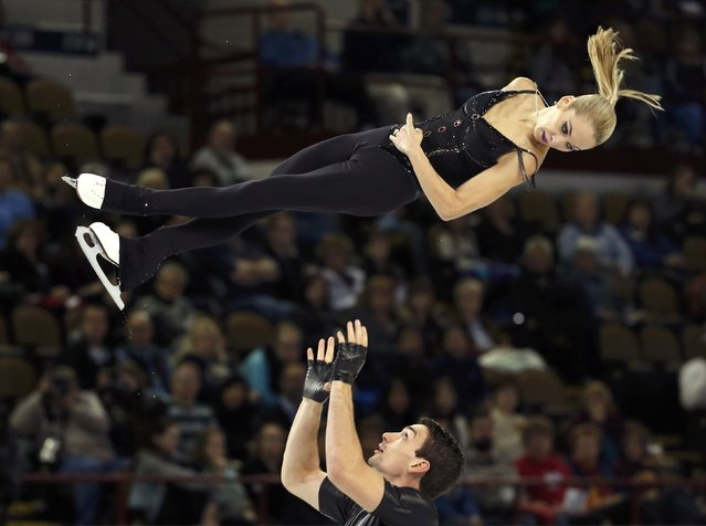 Alexa Scimeca and Chris Knierim of the U.S. perform during the Pairs short program at the Skate America figure skating competition in Milwaukee, Wisconsin October 23, 2015. (Photo by Lucy Nicholson/Reuters)