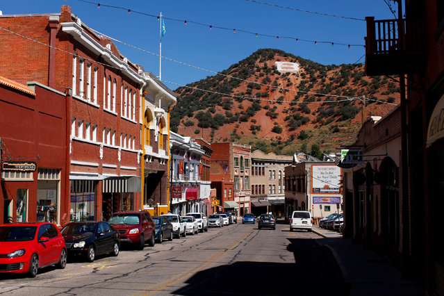 The town of Bisbee is seen in Arizona, United States, October 10, 2016. (Photo by Mike Blake/Reuters)