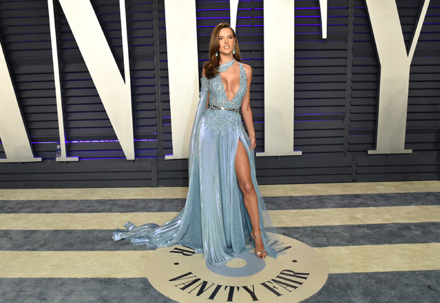Alessandra Ambrosio attends the 2019 Vanity Fair Oscar Party hosted by Radhika Jones at Wallis Annenberg Center for the Performing Arts on February 24, 2019 in Beverly Hills, California. (Photo by John Shearer/Getty Images)
