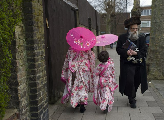 Jewish children in fancy dress during the annual Jewish holiday of Purim on March 12, 2017 in London, England. (Photo by Dan Kitwood/Getty Images)