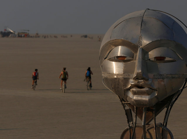 The mutant vehicle Abraxas travels the playa as approximately 70,000 people from all over the world gathered for the annual Burning Man arts and music festival in the Black Rock Desert, Nevada, U.S. on August 31, 2017. (Photo by Jim Urquhart/Reuters/Splash News and Pictures)