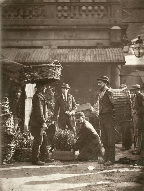 Covent Garden Labourers. (Photo by John Thomson/LSE Digital Library)