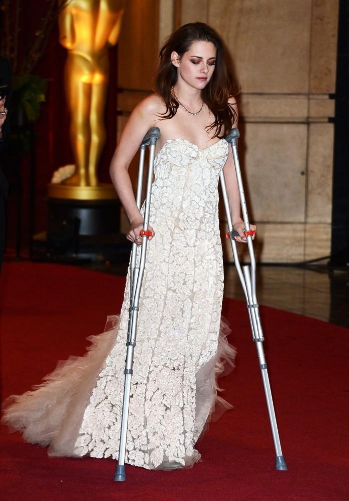 Why is Kristen Stewart on Crutches?