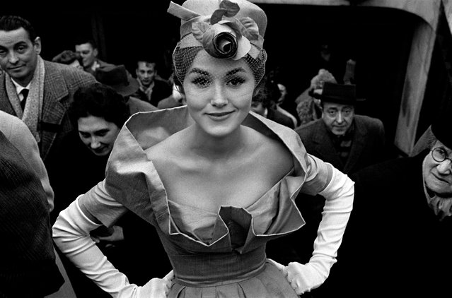 From 1957, Horvat turned to fashion photography, bringing an exciting realism to what had become a stuffy genre. Here: Monique Dutto (for JDF), 1959. (Photo by Frank Horvat/The Guardian)