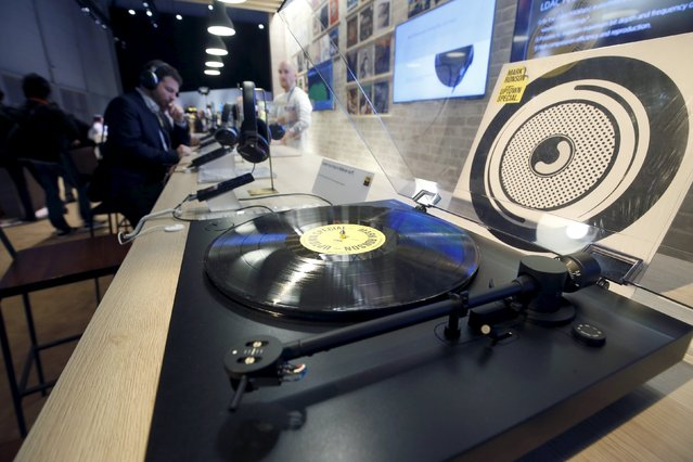 A Sony PS-HX500 turntable is displayed in the Sony booth during the 2016 CES trade show in Las Vegas, Nevada January 7, 2016. The new turntable lets users record vinyl using high-resolution music formats such as DSD and WAV. (Photo by Steve Marcus/Reuters)