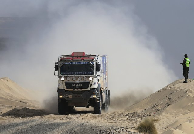 Belgium's Dave Ingels drives his MAN truck during the Dakar Rally 2016 in Chulluquiani, Oruro Department Bolivia, January 8, 2016. (Photo by David Mercado/Reuters)