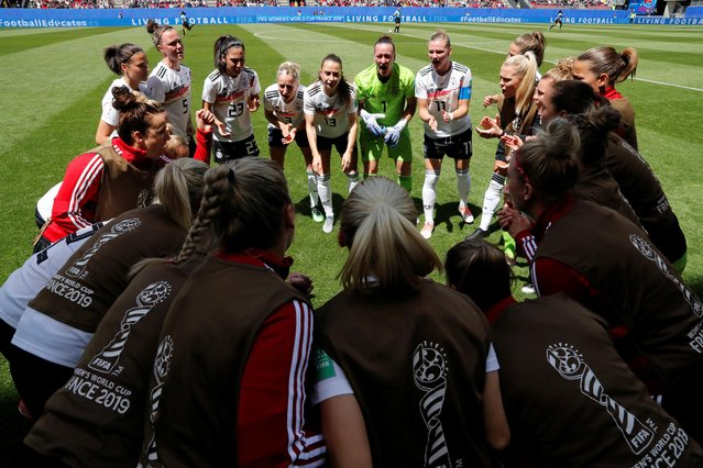 Germany huddles before the 2019 FIFA Women's World Cup France group B match between Germany and China PR at Roazhon Park on June 08, 2019 in Rennes, France. (Photo by Stephane Mahe/Reuters)