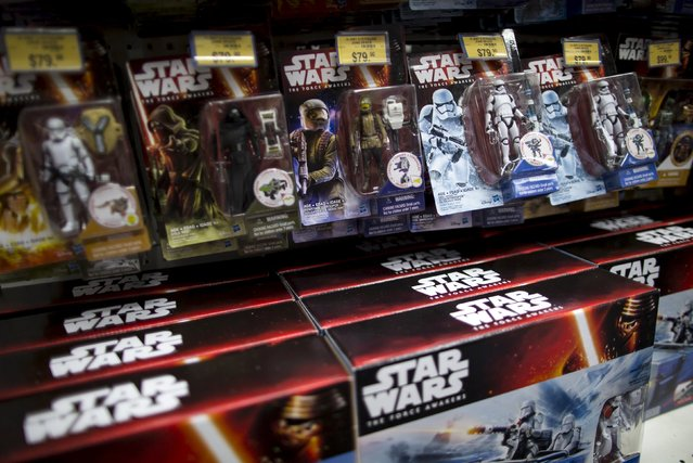 """New toys from the upcoming film """"Star Wars: The Force Awakens"""" on """"Force Friday"""" in Hong Kong, China, September 4, 2015. (Photo by Tyrone Siu/Reuters)"""