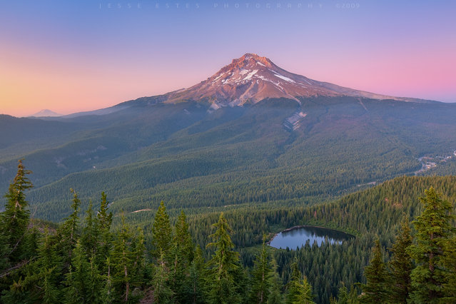 Summertime – Mount Hood. (Jesse Estes)