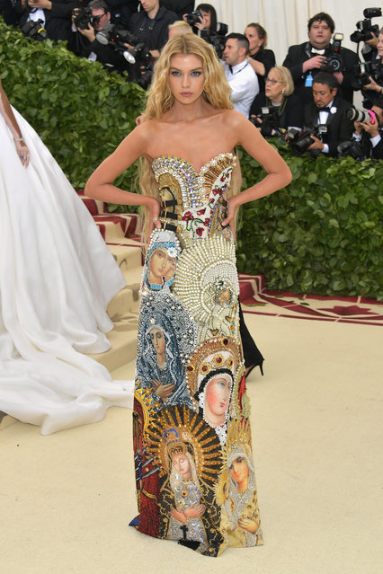 Stella Maxwell attends the Heavenly Bodies: Fashion & The Catholic Imagination Costume Institute Gala at The Metropolitan Museum of Art on May 7, 2018 in New York City. (Photo by Neilson Barnard/Getty Images)
