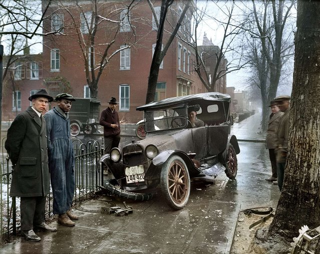Auto Wreck in Washington D.C, 1921. Colorized by Sanna Dullaway.