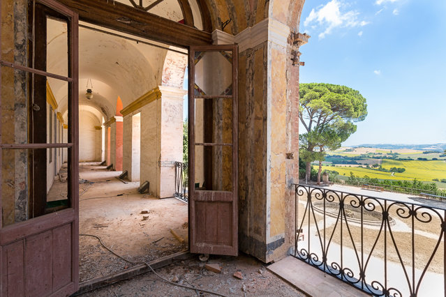 Urban photographer Roman Robroek spent five years scouring the continent for the grandest examples of forgotten architectural beauty. Here: A room with a view in Italy. (Photo by Roman Robroek/South West News Service)