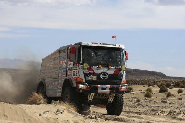 Japan's Yoshimasa Sugawara drives his HINO truck during the Dakar Rally 2016 in Chulluquiani, Oruro Department, Bolivia, January 8, 2016. (Photo by David Mercado/Reuters)